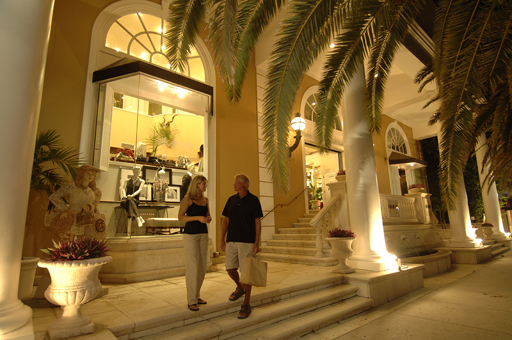 St. Armand's Circle in Sarasota, Florida with RVA Vacation Rentals